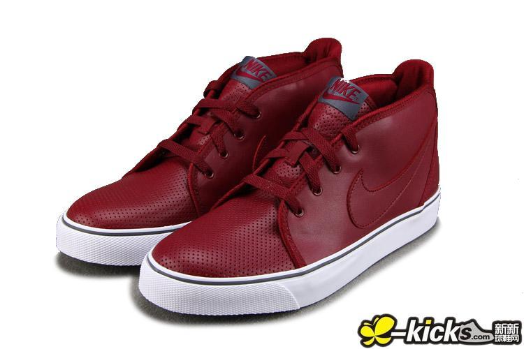 男酒红色的鞋子搭配