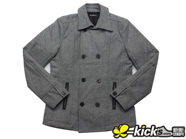 灰色呢子大衣