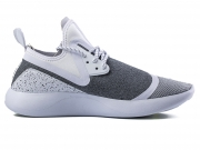 Nike Lunar Charge Essential Shoe 黑白特价